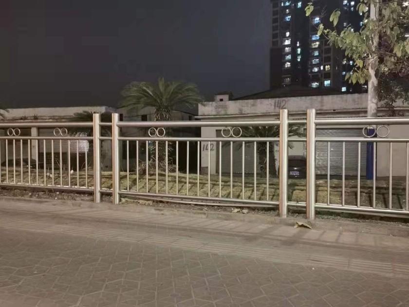 道路304不锈钢护栏