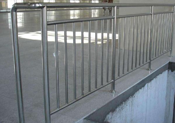 不锈钢栏杆图片