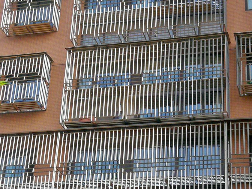 管刚强不锈钢防盗窗定制案例
